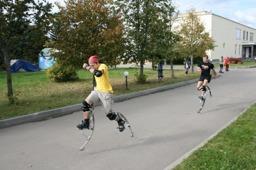 run Jumping Stilts